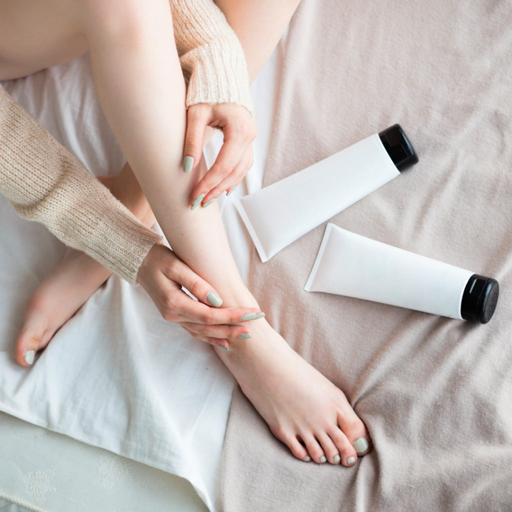Kuru Ciltler İçin En İyi 9 Vücut Nemlendiricisi: Vücut Kremleri, Losyonlar Ve Yağlar