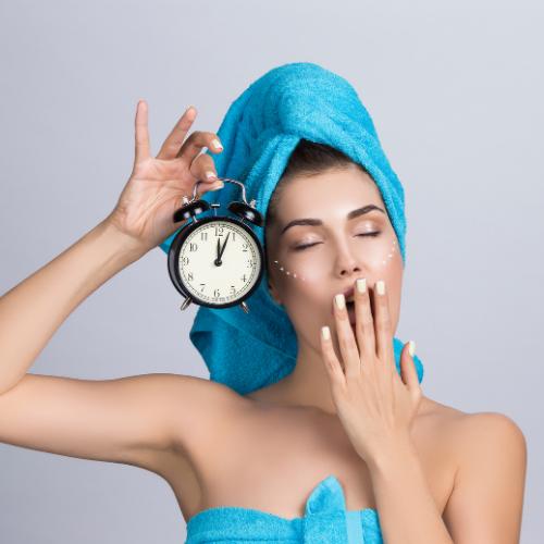 Sağlıklı Bir Cilt İçin Gece Cilt Bakımı: Uykudan Önce Cilt Bakımı Nasıl Yapılmalı?