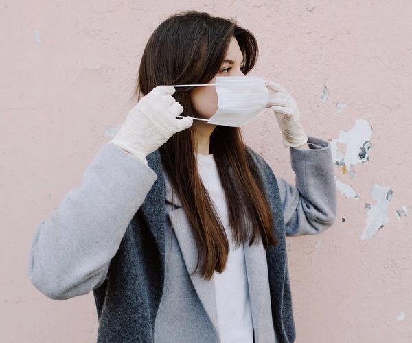 Maske Takarken Oluşabilecek Cilt Problemleri Nelerdir ve Nasıl Önlenir? Maske Takmak Sivilce Yapar Mı?