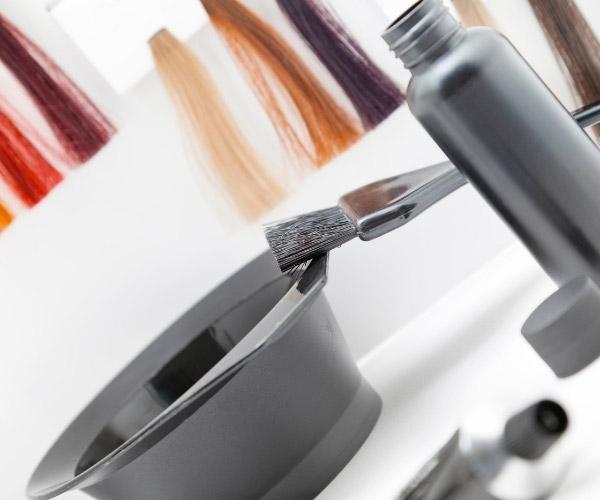 Evde Saç Nasıl Boyanır? Saç Boyarken Nelere Dikkat Edilmeli? Evde Saç Boyamanın Püf Noktaları