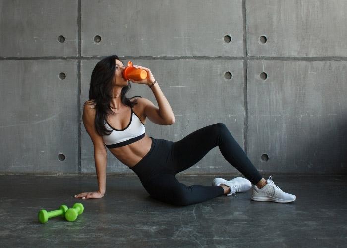 Evde Spor Yaparken Dikkat Edilmesi Gerekenler: Egzersiz Öncesi ve Sonrası Neler Yapılmalı?