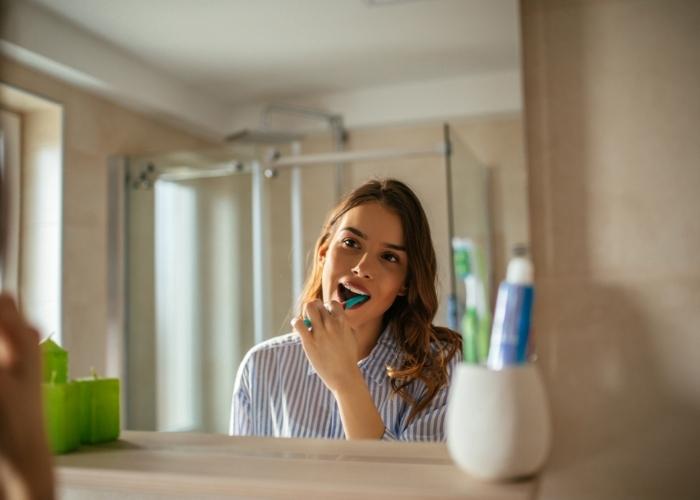 Diş Hassasiyeti Neden Olur? Diş Hassasiyeti Nasıl Geçer? Hassas Dişler Ve Diş Etleri İçin Macun Önerileri: Sensodyne, İpana