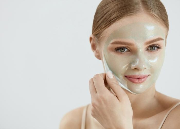 En İyi 10 Nem Maskesi: Tüm Cilt Tipleri İçin Etkili Nemlendirici Yüz Maskeleri