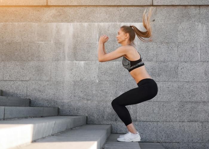 Göbek Eritme Hareketleri: Göbek Nasıl Eritilir? Yağ Yakıcı Karın Eritme Egzersizleri