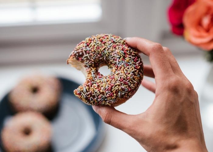 Tatlı Krizi Neden Olur? Sürekli Tatlı Yeme İsteği Nasıl Önlenir? Tatlı Krizine Çözüm Önerileri