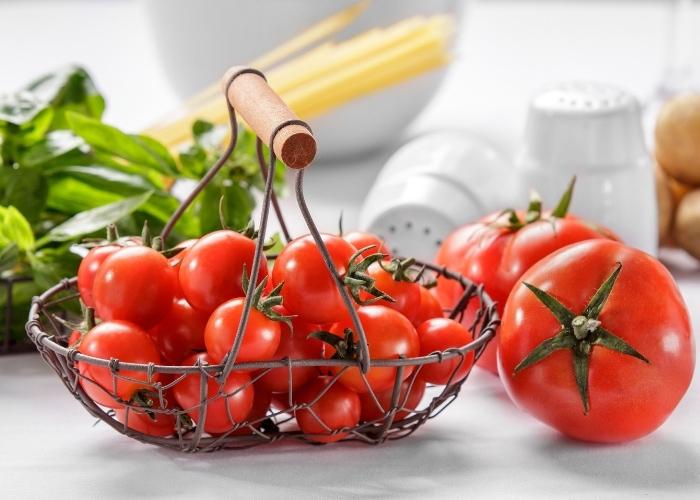 Kolajen İçeren Besinler: Kolajen Üretimini Destekleyen 12 Yiyecek