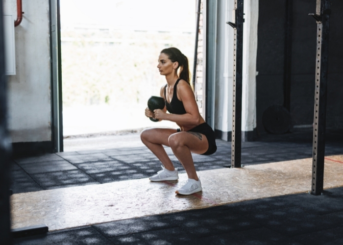 Squat Nasıl Yapılır? Faydaları ve Etkili Squat Hareketleri