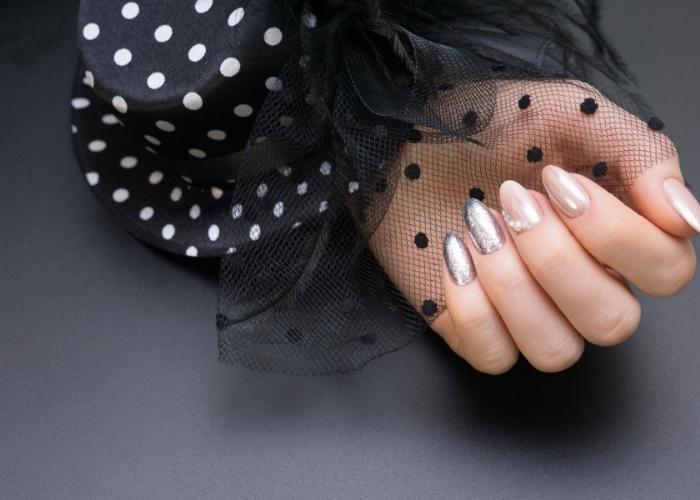 Jel Tırnak Nedir: Jel Protez Tırnaklar Hakkında Bilmeniz Gereken Her Şey!