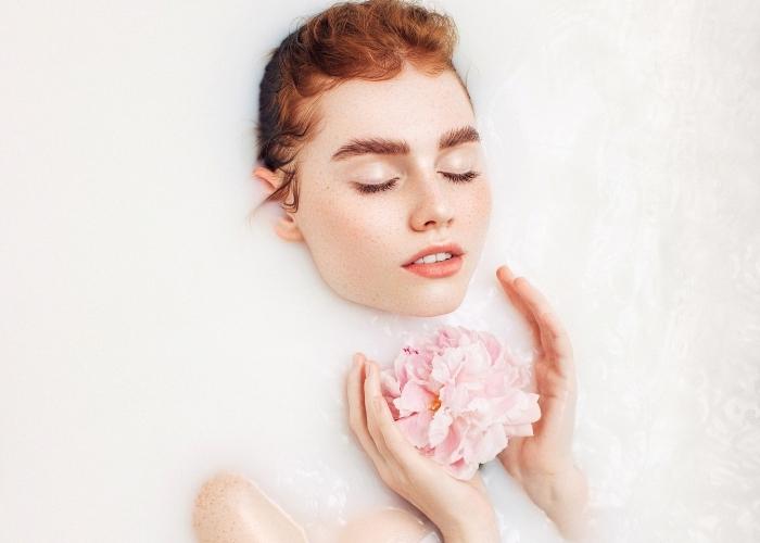 Süt Banyosu Cilde Faydaları Nelerdir?